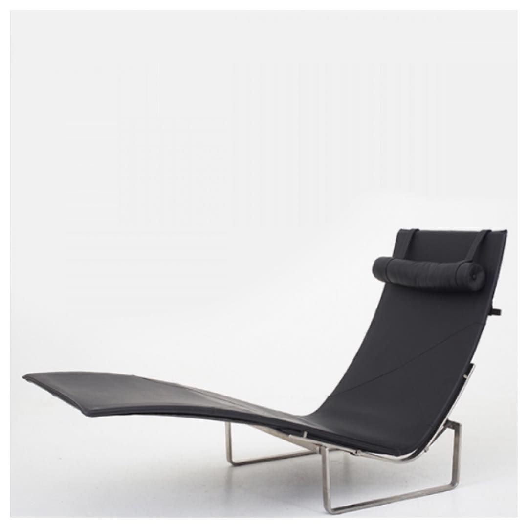 The True Meaning Of Timeless The Pk 24 Chaise Longue Designed By Poul Kjaerholm Circa 1950 S Authentic Living Mid Century Furniture House Styles