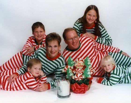 Bad Christmas Photos are Funny Christmas Photos | Family christmas ...