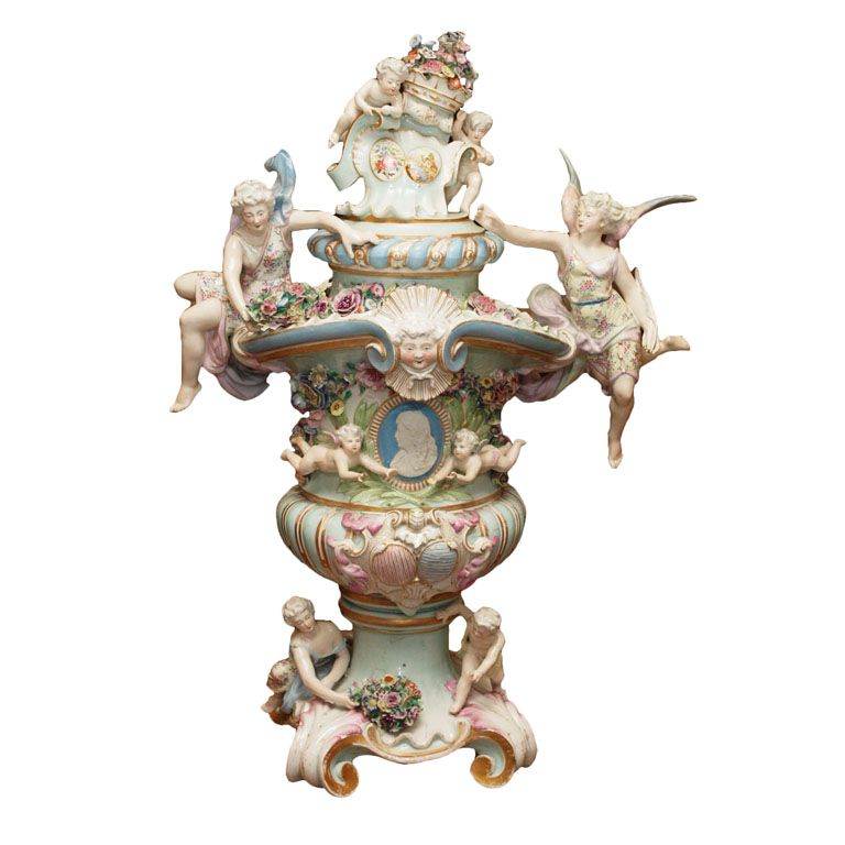 Exuberant meissen covered presentation urn meissen for Mobilia germany