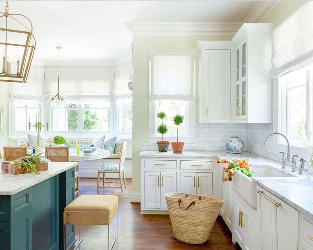 Soph Isticated Style On Instagram Rise And Shine I Love This Bright And Beautiful Kitchen By Blairedesignsllc Beautiful Kitchens Coastal Kitchen Kitchen