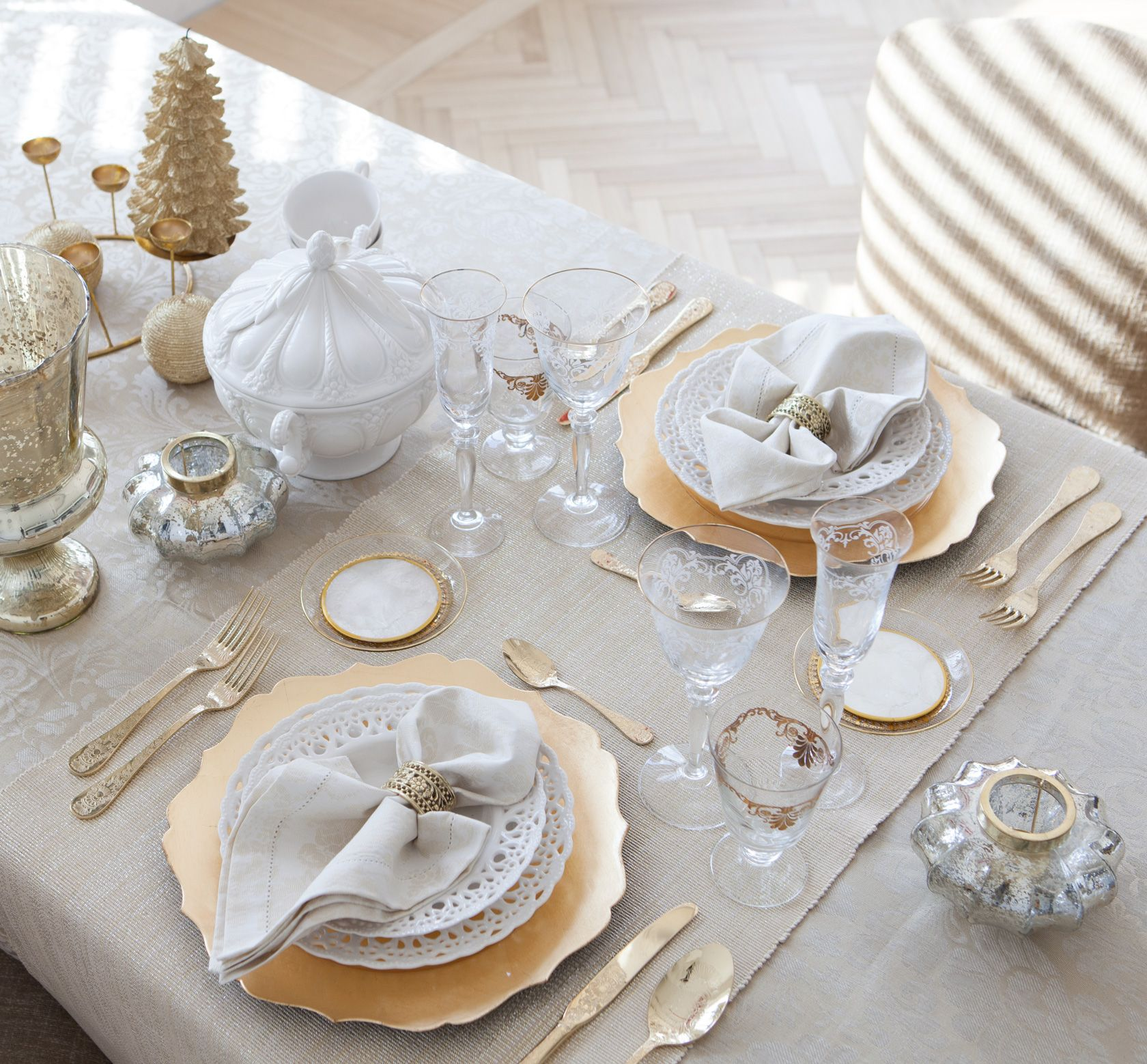 Tablewares & http://www.zarahome.com/ca/en-us/christmas/lookbook-c1202506.html ...