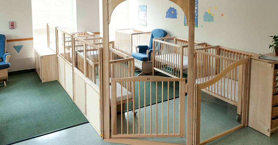 Setting up the nap area. | Toddler daycare rooms, Daycare ...
