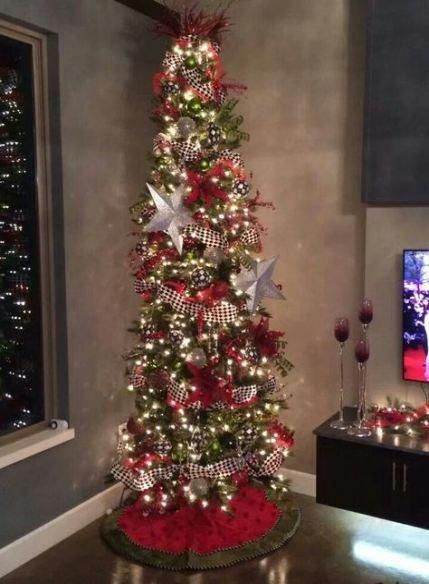 Red And Black Christmas Tree Beautiful 33 Ideas #tree #christmastreetoppers #blackchristmastreeideas
