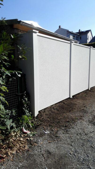Laermschutzwand zu einem Parkplatz Sichtschutz Pinterest Garten