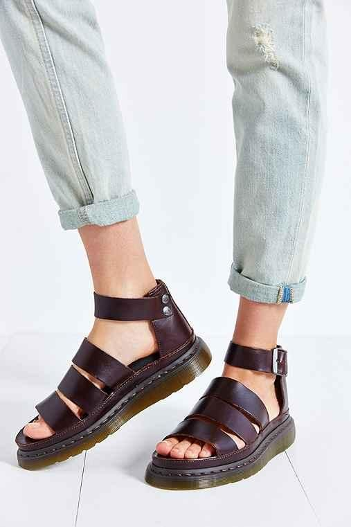 Dr. Martens Sandales Clarissa blanches   Urban Outfitters FR