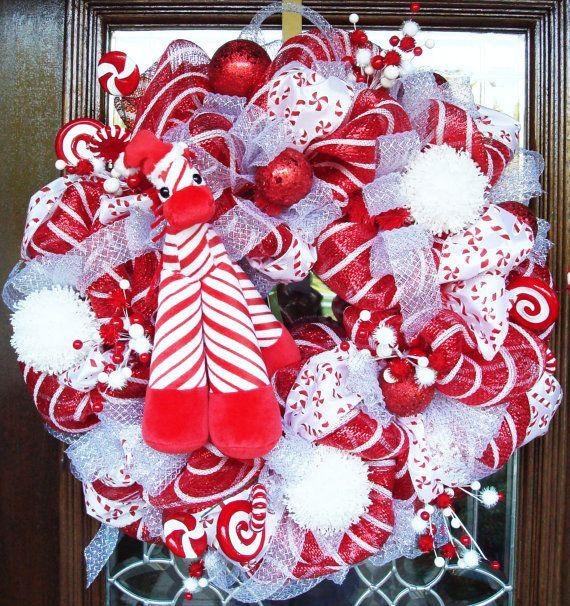 RED, WHITE and GIRAFFE Deco Mesh Christmas WreathFrom decoglitz