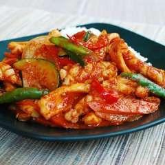 Hallyu home cooking: 오징어 볶음 Ojingeo bokkeum (Korean Spicy Stir-Fried Squid) #recipe #KCON
