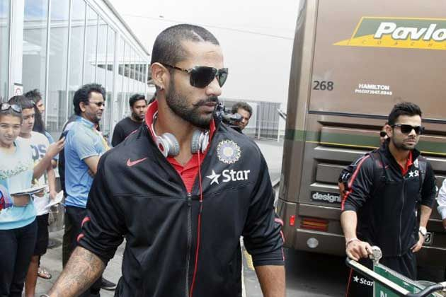 Batsman Shikhar Dhawan Was Spotted Sporting A New Hairstyle As India Landed For Their Tour Of New Zealand Afp Ph Cricket Videos Match Schedule Shikhar Dhawan