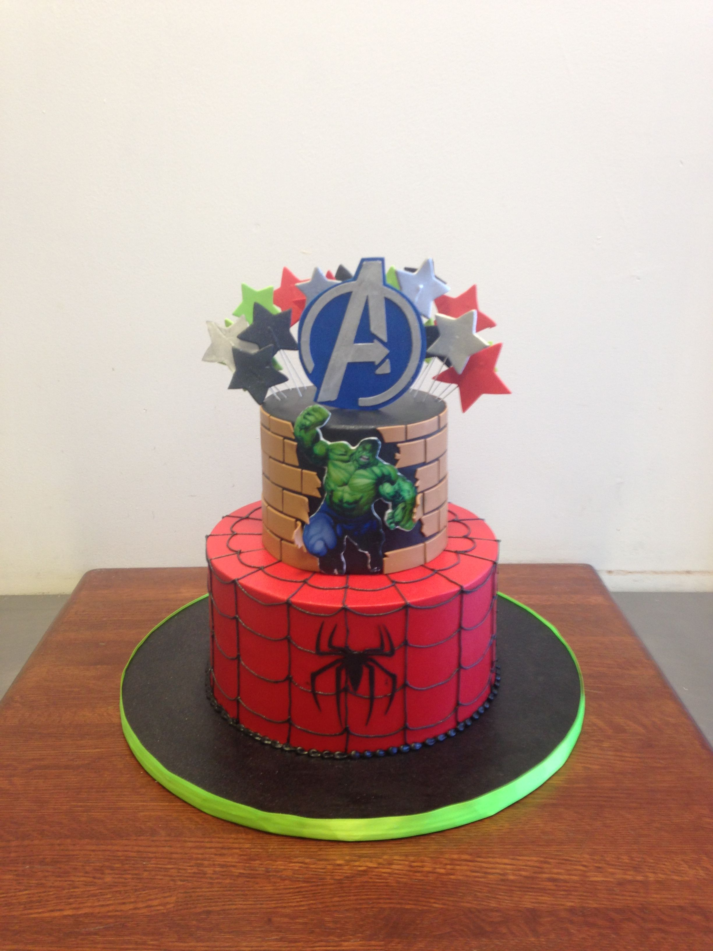 Avengers Superhero Themed Birthday Cake Birthday Cakes Pinterest