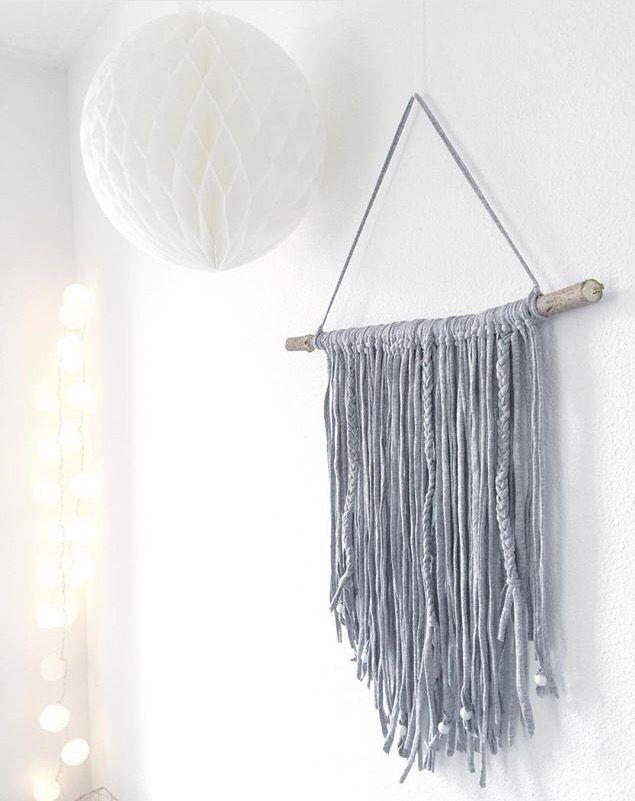 Muurdecoratie. Zpagetti, textielgaren.