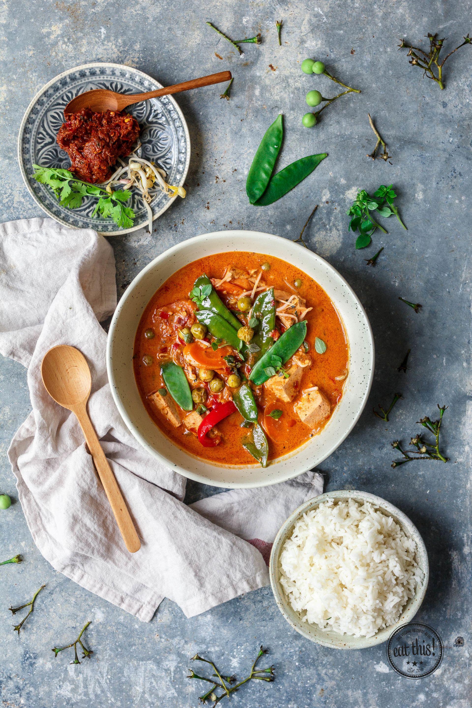 Rotes Thai Curry mit Tofu vegan