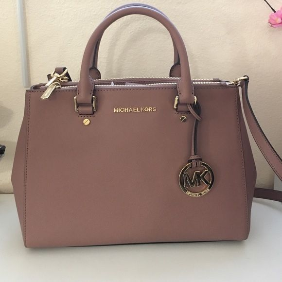 New Dusty Rose Color Med Sutton Handbag Mk Bag Size Made With Real Leather Very Good Material Dust Michael Kors