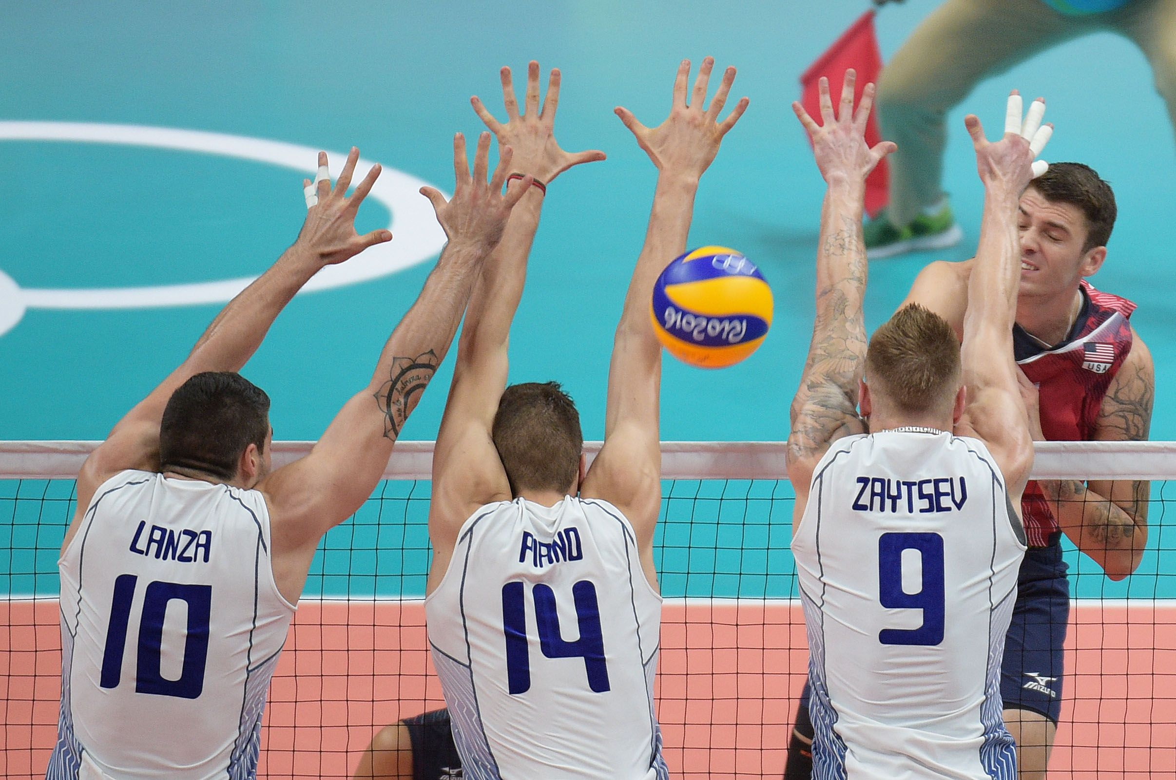 Matthew Anderson Spikes Against The Italian Triple Block In 2020 Volleyball Matthew Anderson Sports Jersey