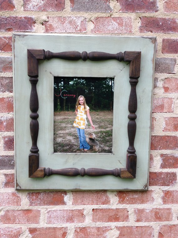 Large 11 X 14 Picture Frame With Spindles
