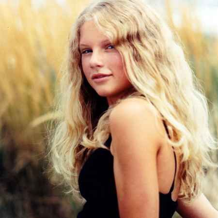 Taylor Swift At Age 12 In Modeling Shoot Photos Of Taylor Swift Taylor Swift Age Young Taylor Swift