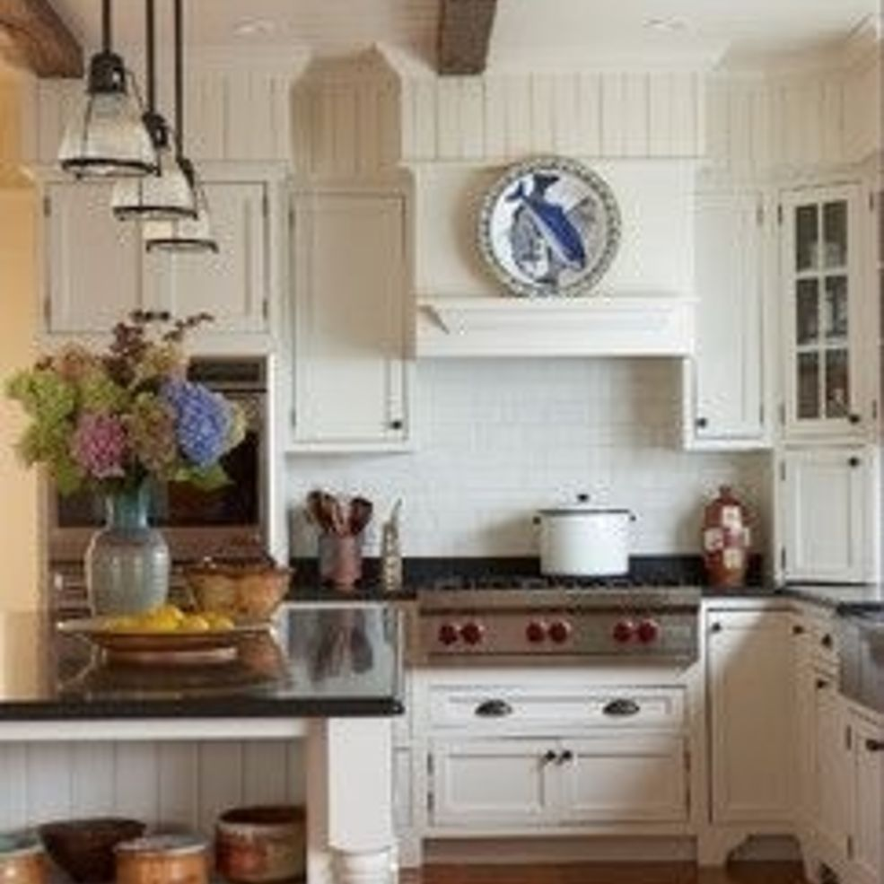 10 Ideas For Turning Ugly Kitchen Soffits Into Stylish Accents ...