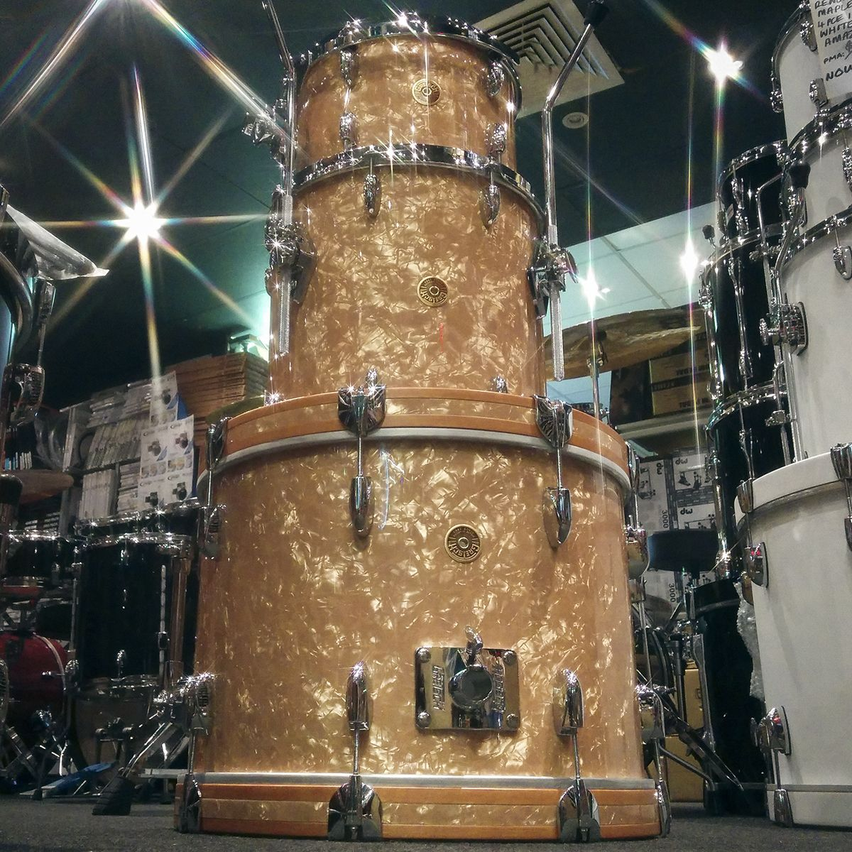 Grestch Broadkaster Drum Kit In Antique Pearl Nitron Finish With 20x14