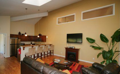 303 755 1872 1 2 Bedroom 1 2 Bath Hampden Heights Apartments 8405 E Hampden Avenue Denver Co 80231 Apartments For Rent Apartment Home
