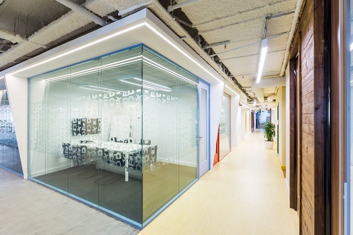 Office Interior Design Glass Partitions Tutu Ru Office By Meandre