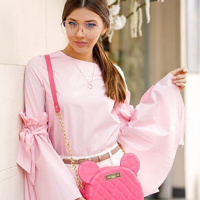 Sweet as candy 💖 just finished posting this sweet look up on the blog. Make sure you check it out! [link in bio] tap for tags and shop the look via http://liketk.it/2rpDM #liketkit @liketoknow.it #larisacostea #larisastyle #ootd #fridayootd #ltkeurope