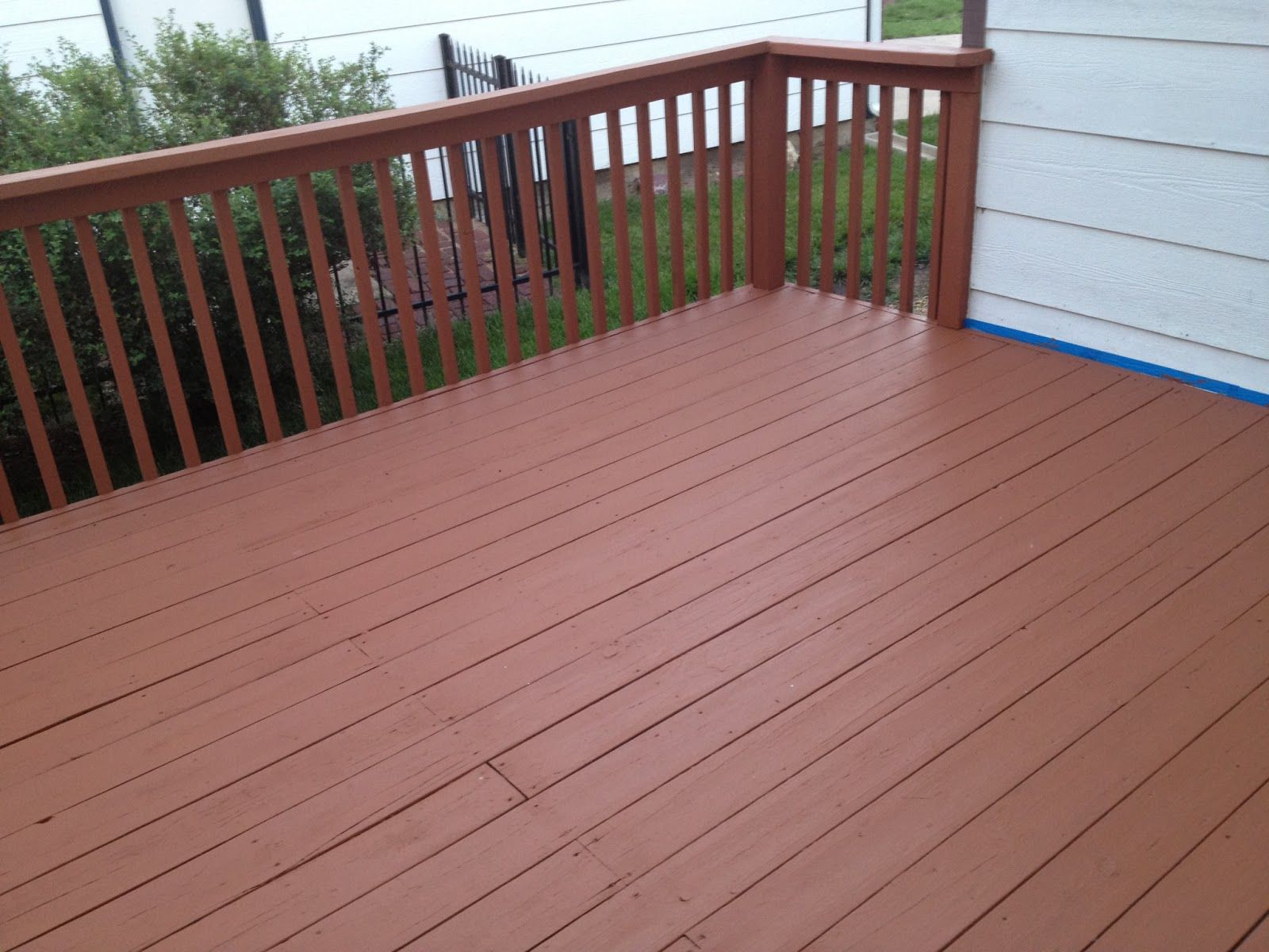 Behr deckover cappuccino solid color behr weatherproof for Best material for deck