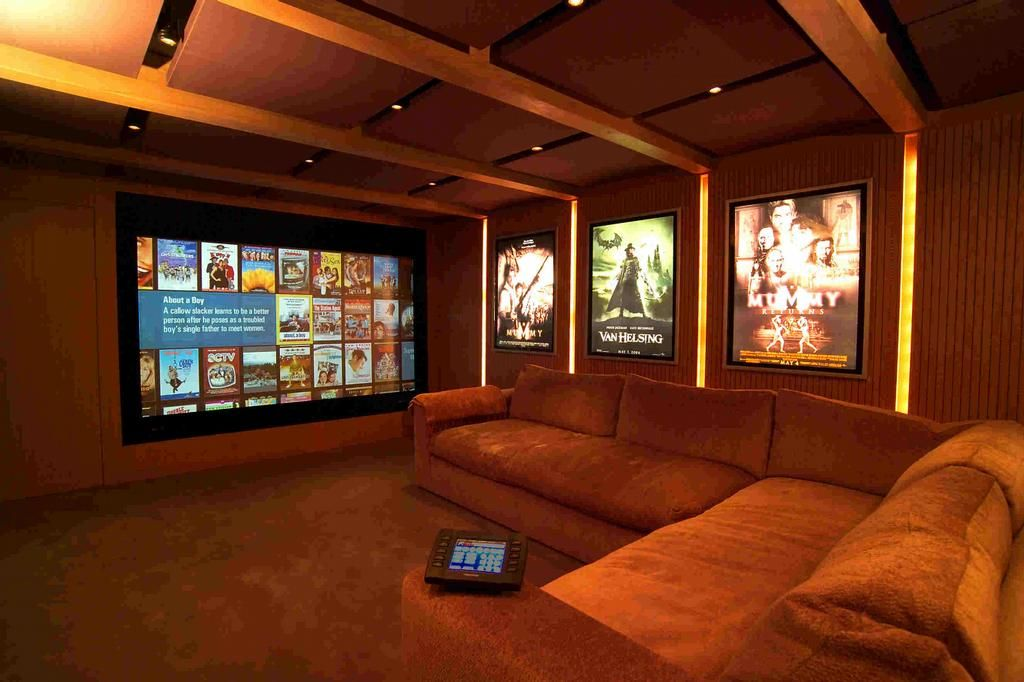 Media room floor plan google search media room for Small entertainment room decorating ideas