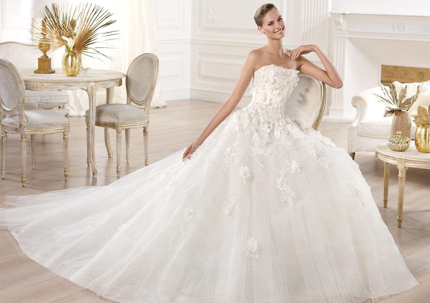 Pronovias presents the Mensa wedding dress. Elie by Elie Saab 2014 ...