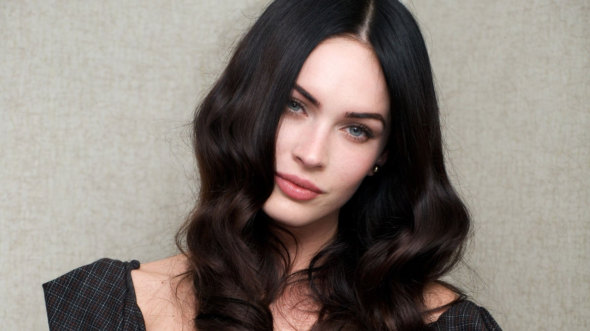 Megan Fox Celebrity In X Resolution In