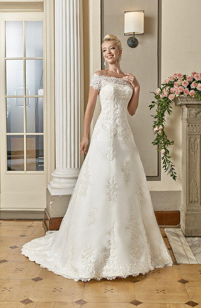 Brautkleid 6996 | Hochzeitshaus Boos in Karlsruhe | wedding ...