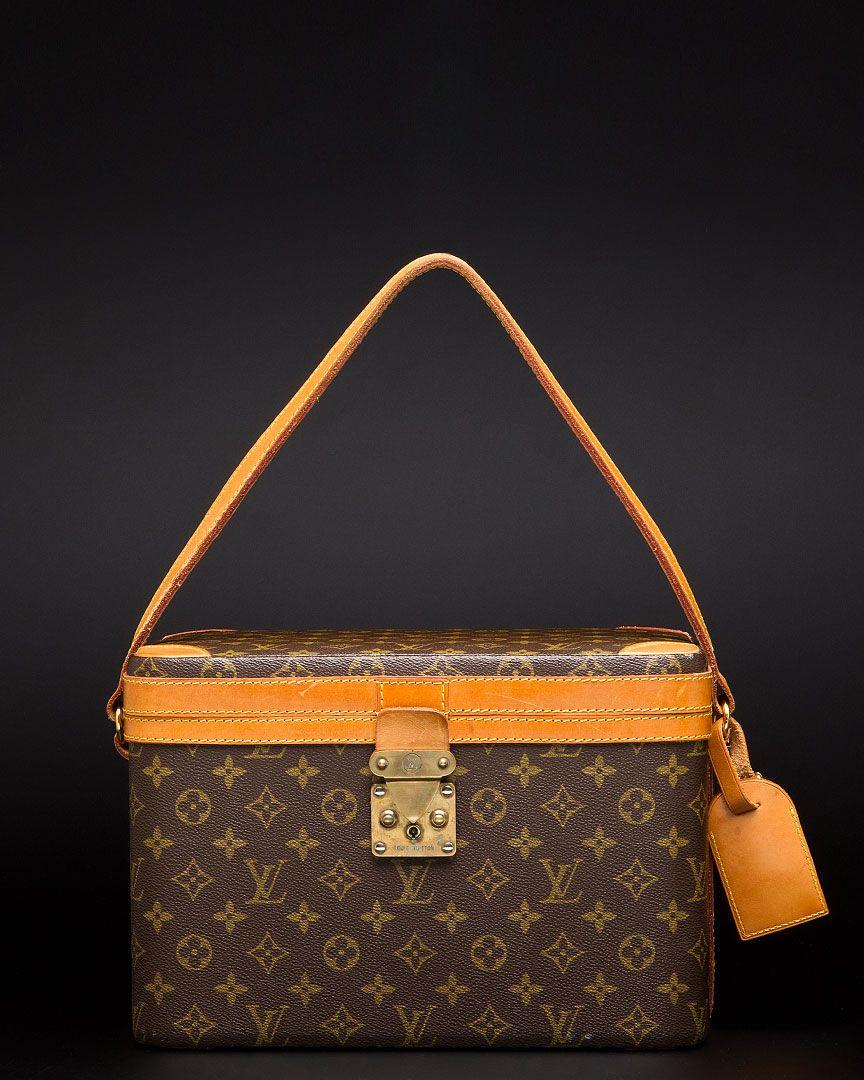 d775925c31e9 Louis Vuitton Vintage Monogram Leather Beauty Case
