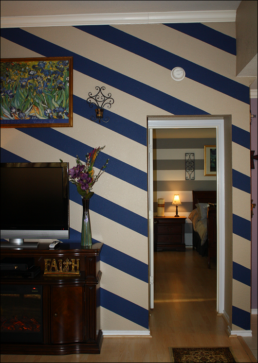 Diagonal Striped Living Room Accent Wall Http Maryanncorbello