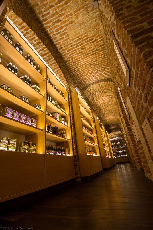 Restaurant, Weinbar - neue griechische esskultur in der tumblinger