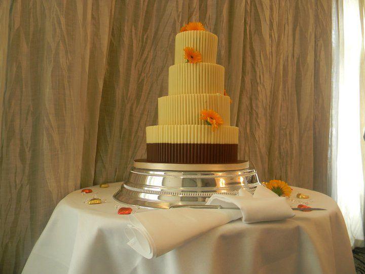 Wedding Cake Decoration And Style Ideas At The Pinewood Hotel Slough Berkshire Buckinghamshire
