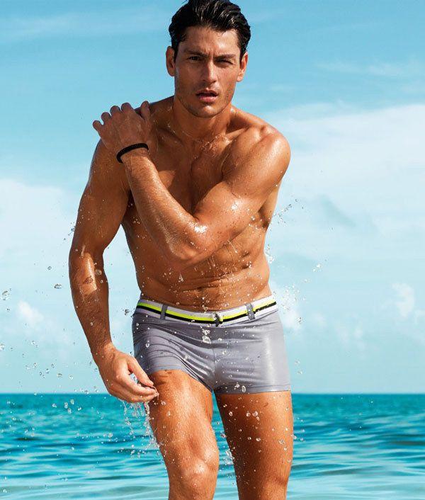 3da2acc375 OMG | 17 Photos That Prove Short Swim Trunks For Men Are Heaven On Earth