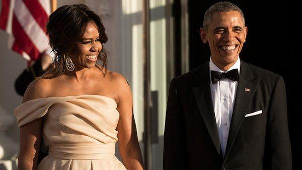 Barack y Michelle firman acuerdo para publicar libros