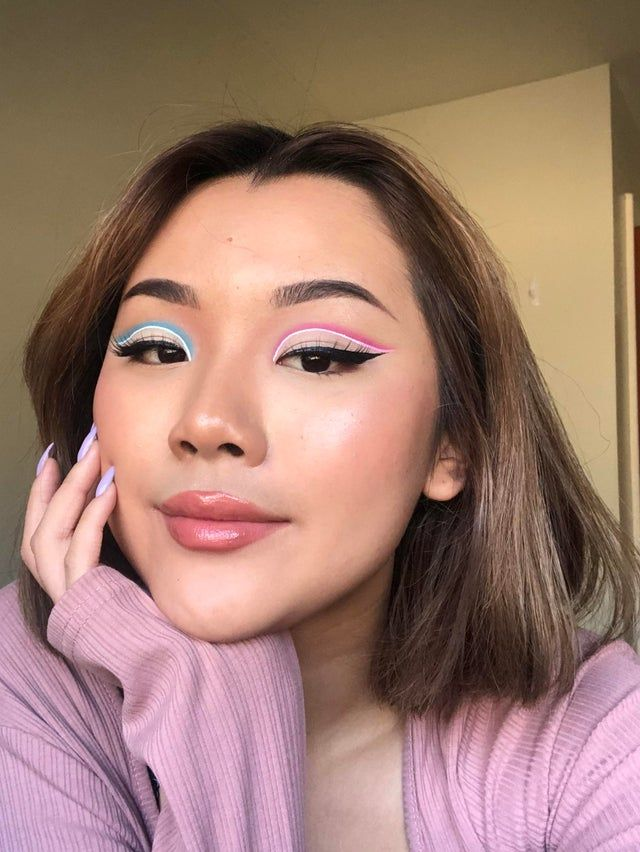 cotton candy graphic liner