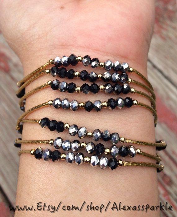 caa37ac35d5b Black   Silver Beaded Charm Bracelet with gold plated charms - Semanario  pulseras de piedritas negras y plateado con dijes chapa de oro