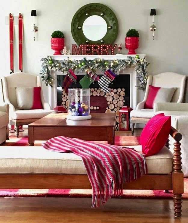 homey 11 christmas living room ideas for fuss free holiday rh pinterest com