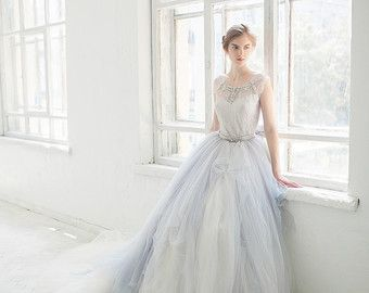 Etsy の Perfect evening and wedding dresses by CarouselFashion