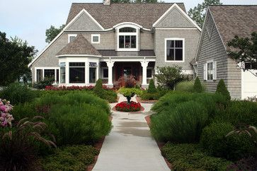 Beautiful Retirement Cottage   Traditional   Exterior   Grand Rapids   Landscape  Design Services Brick Borders
