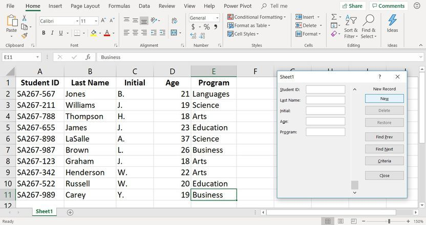 Data Entry Form With Report For Project Issue Tracker In Excel Youtube In 2021 Issue Tracker Data Entry Projects Data Entry