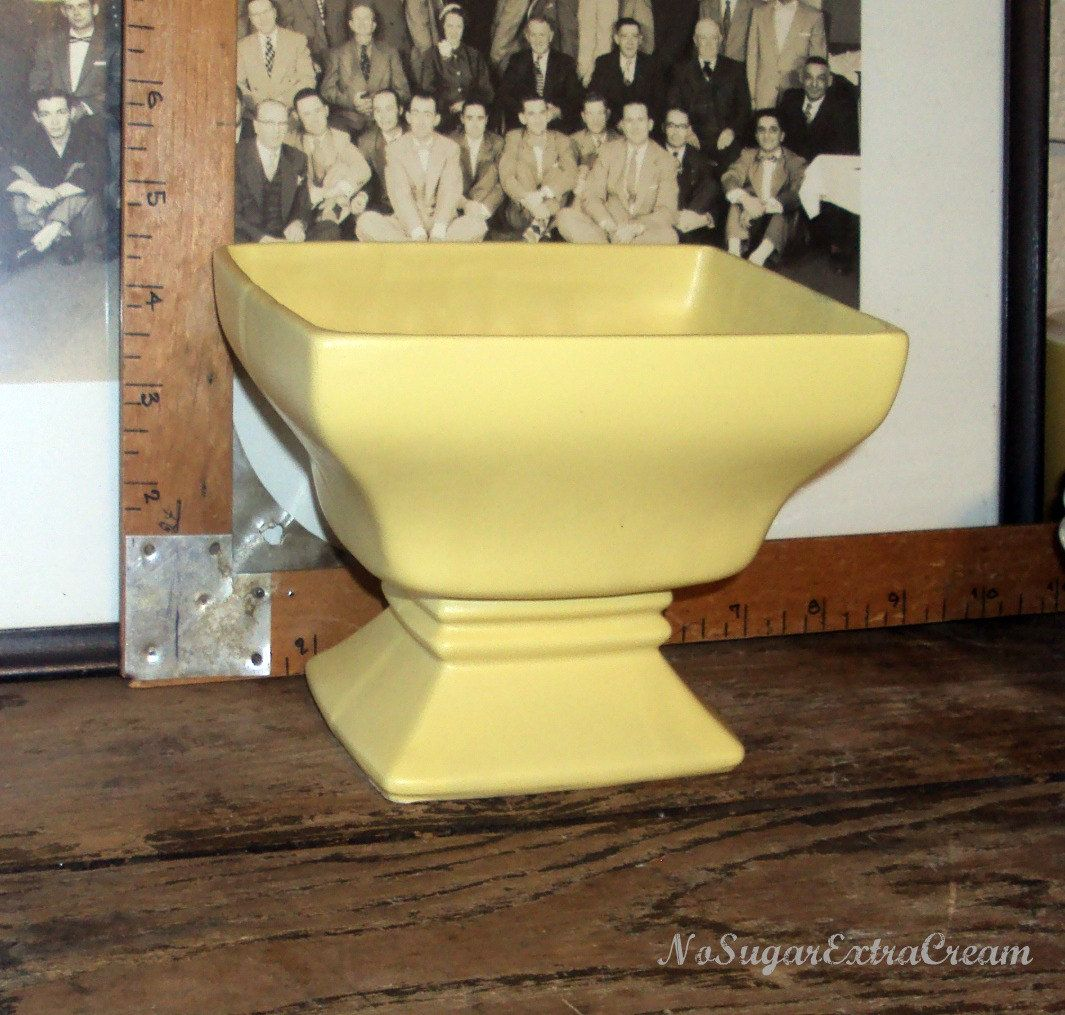 Vintage mccoy yellow pottery planter with pedestal base planters vintage mccoy yellow pottery planter with pedestal base reviewsmspy
