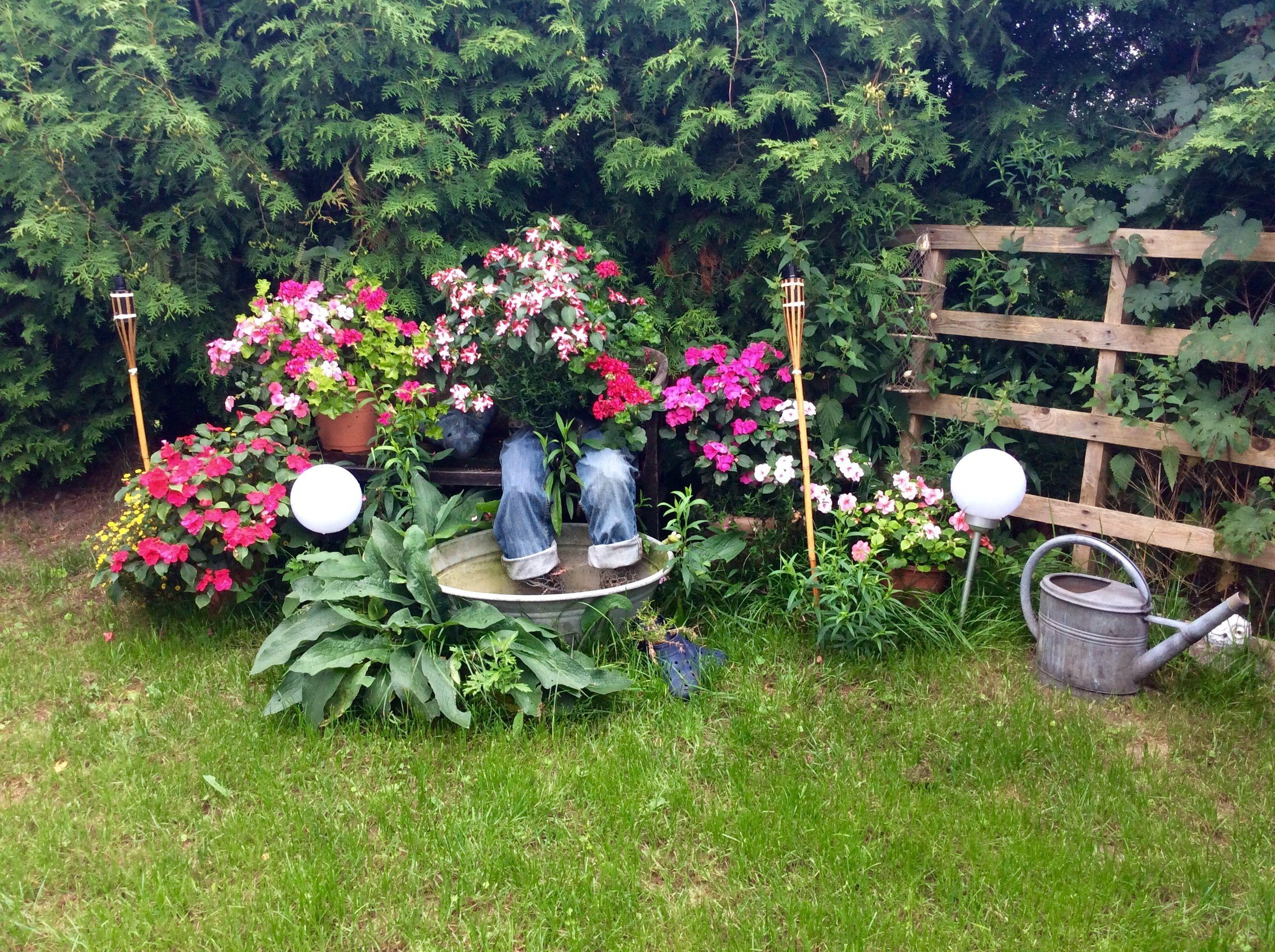 Witzige Gartendeko Hose Bepflanzt Garten Deko Haus Und Garten Garten