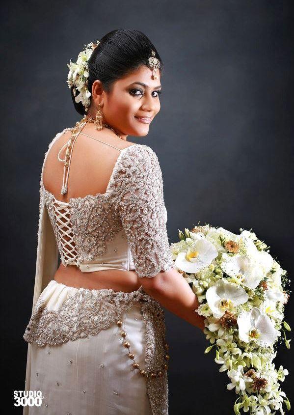Pin By Yashodara Rathnathilaka On Kandian Brides Saree