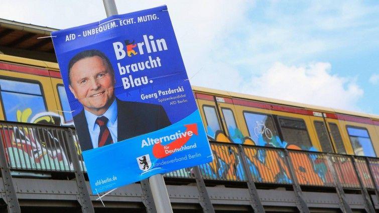 AfD-Wahlkampf in Berlin Gefühlte Realität Nach dem Erfolg bei der Landtagswahl in Mecklenburg-Vorpommern hofft die AfD nun auch bei den Berliner Wahlen auf hohe Ergebnisse. In den Straßen-Wahlkampf zu ziehen, trauen sich viele der Aspiranten für das Abgeordnetenhaus nicht - dafür trauen sie ihrem Gefühl. Von Claudia van Laak