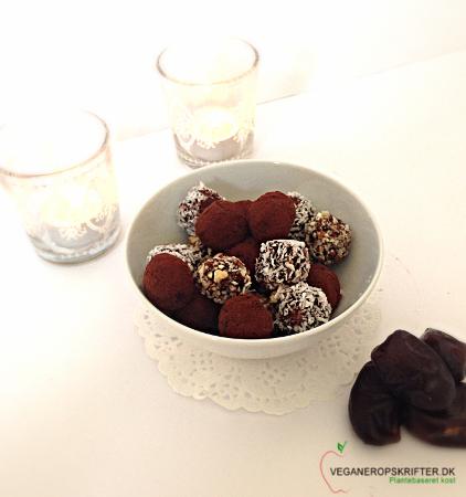 Dadelkugler Dadelkugler egner sig perfekt som en sund og lækker snack. De er utrolig lette at lave, og de er …