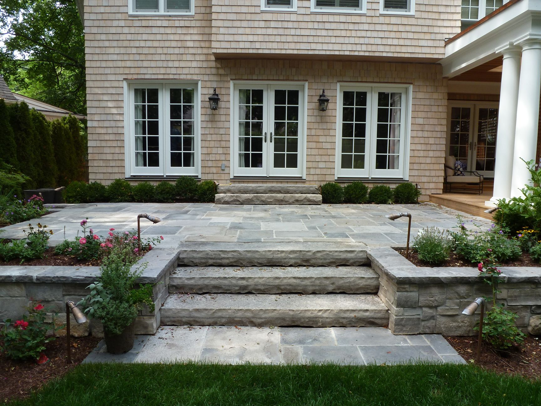 Raised stone patios google search garden 39 n greenstuff for Pictures of stone patios