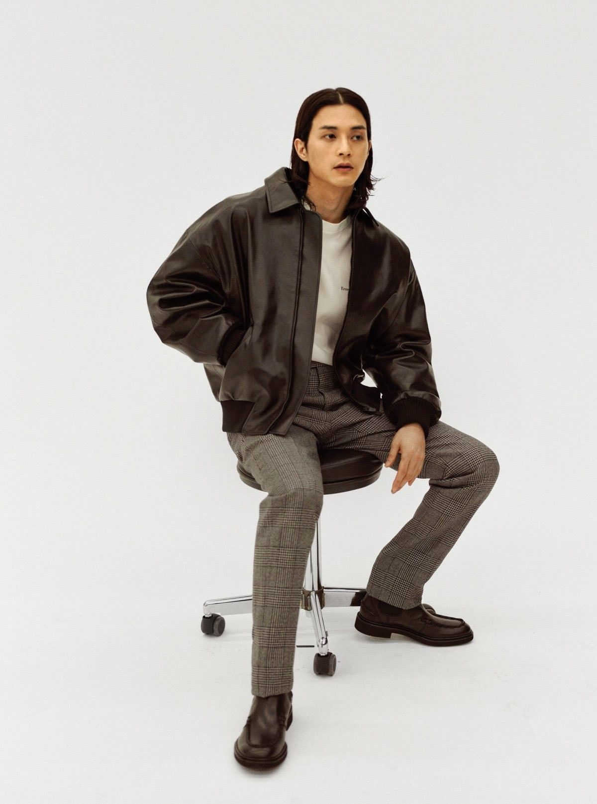 Kim Ji Hun Gq Bomber Jacket Gq Magazine [ 1617 x 1200 Pixel ]