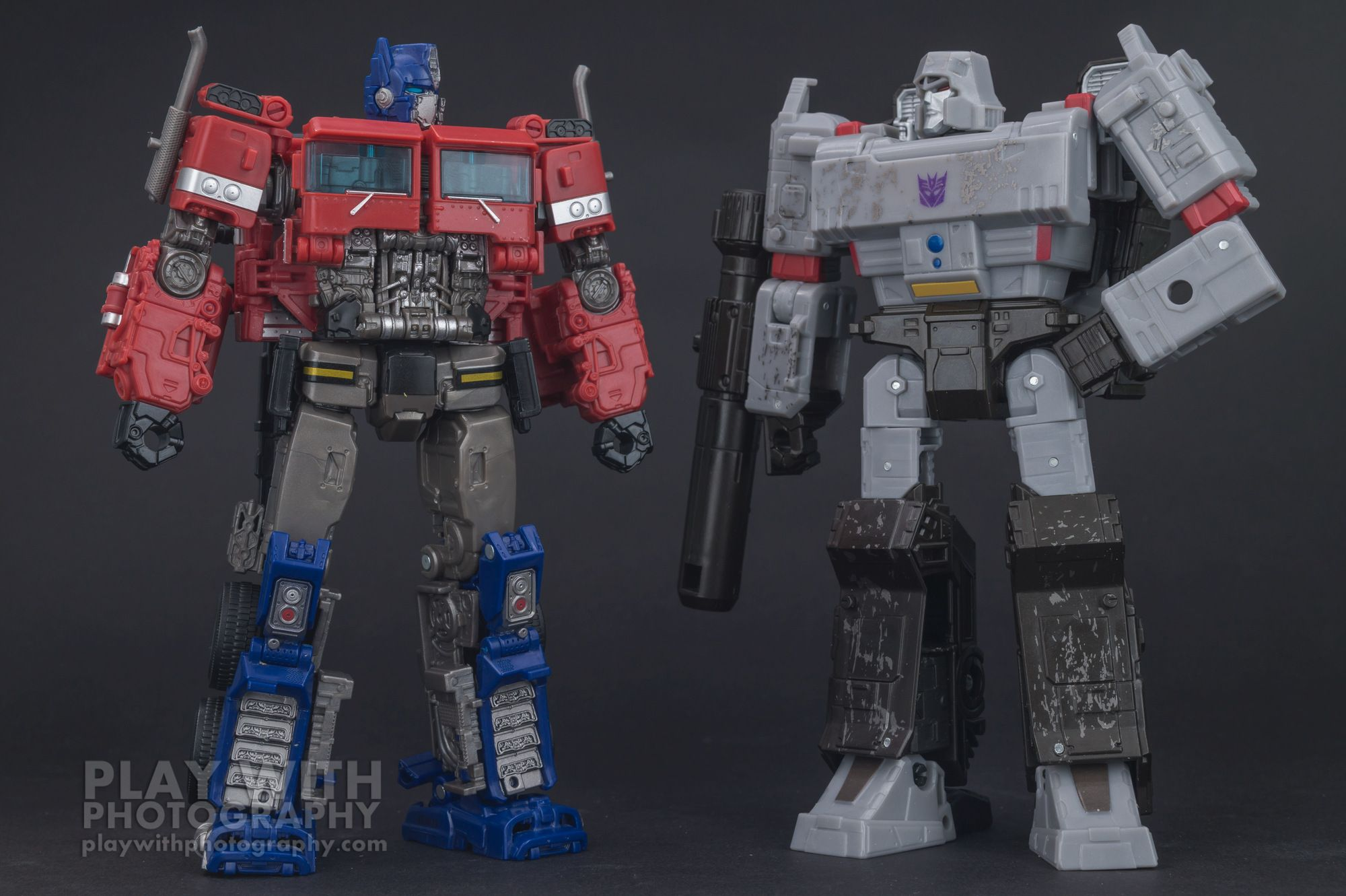 Studio Series 38 Bumblebee Movie Optimus Prime Out At Select Stores In The Us New Pics Optimus Prime Toy Optimus Prime Transformers Prime