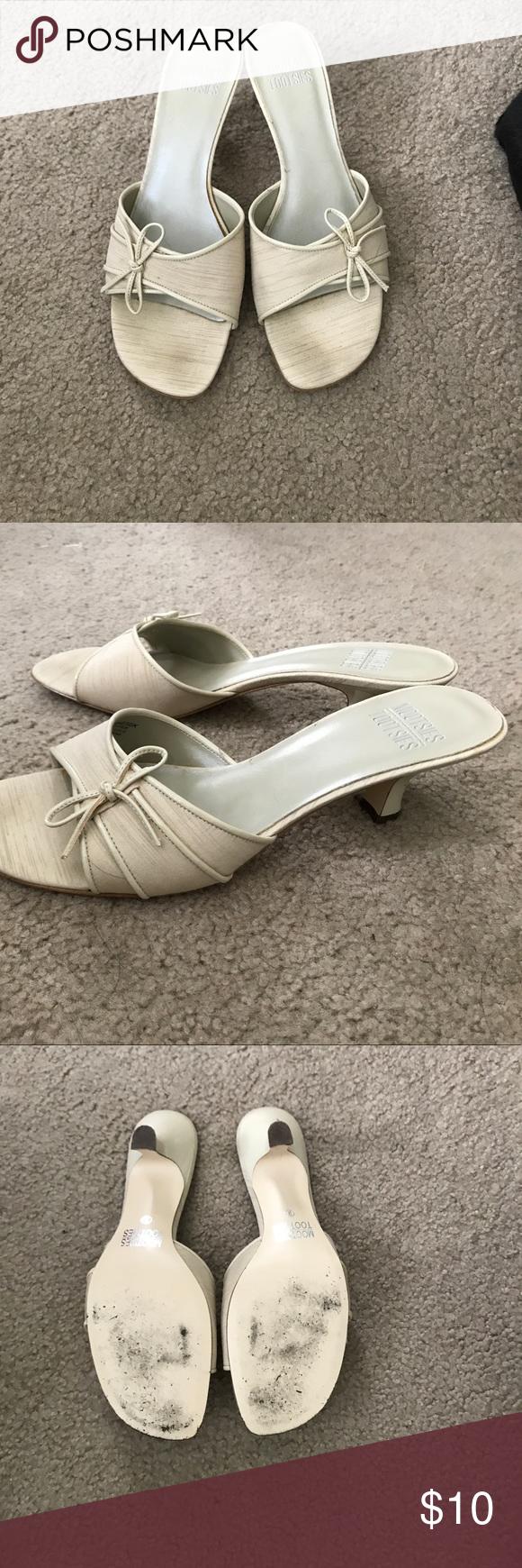 Kitten Heel Slides With Patent Leather Accents Minimally Worn 1 1 4 Inch Heel Mootsies Tootsies Shoes Heels Kitten Heels Heels Patent Leather